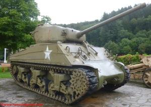 02 Sherman M4A3 Clervaux