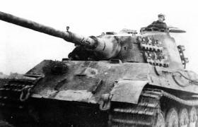 41 Tiger II Henschel Abt 505 Storical