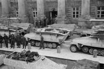 23 Sdkfz 251-7 Storical