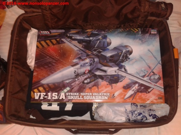 30 VF-1S-A Super-Strike Valkyrie