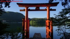 01-hakone-shrine