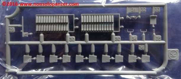 48-sdkfz-251-23-cyberhobby