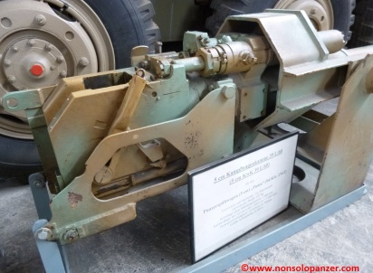 33-sdkfz-234-2-gun-munster-panzermuseum