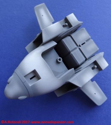 042 VF-1S Egg Plane