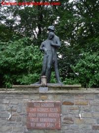 06 116 Panzerdivision Monument