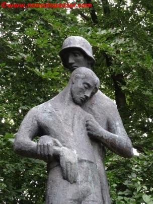 08 116 Panzerdivision Monument