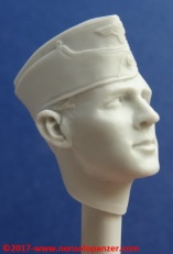 11 116 Pz Division Officer bust Alpine