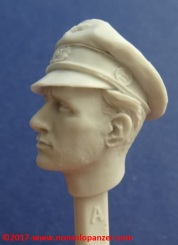 14 116 Pz Division Officer bust Alpine