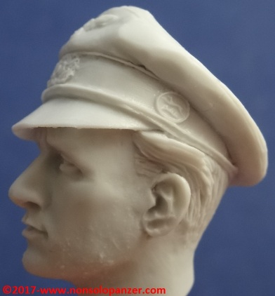 15 116 Pz Division Officer bust Alpine