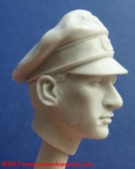 16 116 Pz Division Officer bust Alpine