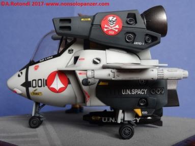 114 VF-1S Egg Plane