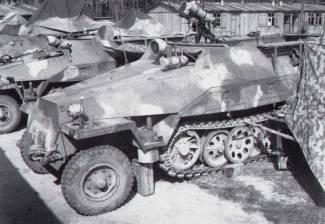 42 Sdkfz 251 Falke