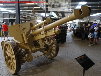 02 105 mm lefh 18 overloon war museum
