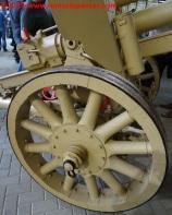 10 105 mm lefh 18 overloon war museum