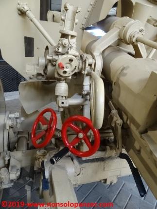 18 105 mm lefh 18 overloon war museum