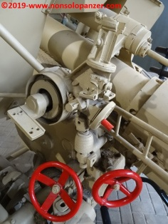 20 105 mm lefh 18 overloon war museum