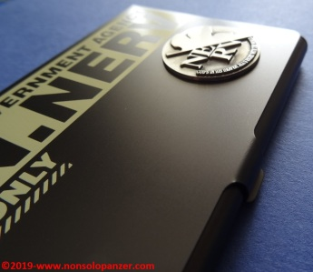 17 Nerv Business Card Holder